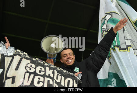 Bremen, Germany. 01st Feb, 2015. Bremen's Franco di Santo celebrates with the fans after the German Bundesliga soccer match between SV Werder Bremen and Hertha BSC in the Weserstadion in Bremen, Germany, 01 February 2015. PHOTO: CARMEN JASPERSEN/dpa/Alamy Live News