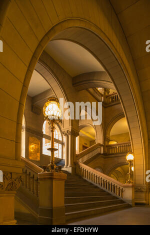ARCHWAYS STAIRCASE ALLEGHENY COUNTY COURTHOUSE DOWNTOWN PITTSBURGH PENNSYLVANIA USA - Stock Photo