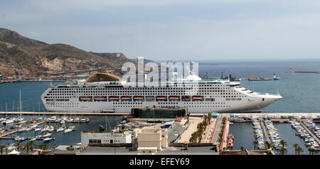 Large Oceana cruise ship (owned by  P&O Cruises) moored in the harbour of Cartagena, Murcia Province, Spain - Stock Photo