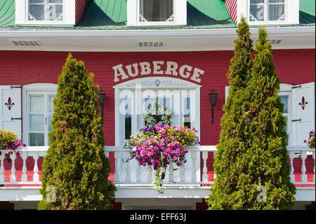 Hotel auberge du mange grenouille bic gaspesie quebec for Auberge bic