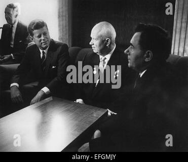 the presidency of john kennedy and his politics regarding the soviet union Vienna summit between the united states and the soviet union a was canceled in the aftermath of the bay of pigs b saw soviet premier nikita khrushchev make a veiled threat of war c saw president john kennedy agree not to invade cuba d saw president kennedy criticize the construction of the berlin wall.