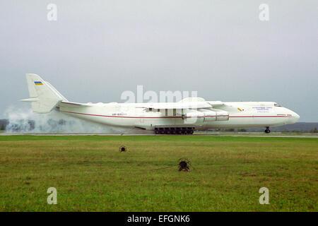 Antonov Design Bureau Antonov An-225 landing - Stock Photo