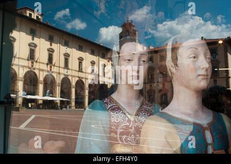 Italy, Tuscany, Arezzo, Piazza Grande, Reflection - Stock Photo