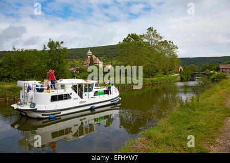 Houseboat in the Doubs-Rhine-Rhone-channel at Deluz, Doubs, Region Franche-Comte, France, Europe - Stock Photo