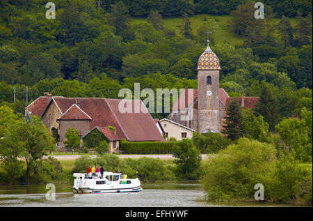 Houseboat in the Doubs-Rhine-Rhone-channel at Hyevre-Paroisse, Doubs, Region Franche-Comte, France, Europe - Stock Photo