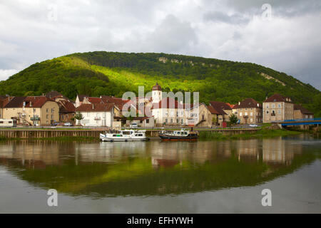 Houseboat in the Doubs-Rhine-Rhone-channel at Clerval, PK 127, Doubs, Region Franche-Comte, France, Europe - Stock Photo
