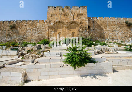 The Golden Gate on the east-side of the Temple Mount of Jerusalem - Stock Photo