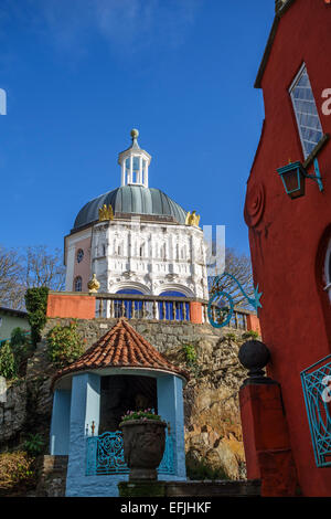 Portmeirion, North Wales, UK. The Italianate folly village built by Clough Williams-Ellis. The Pantheon, or Dome, - Stock Photo