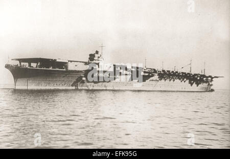 Zuikaku, one of 2 Shōkaku-class aircraft carriers built for the Imperial Japanese Navy completed in 1941 and capable - Stock Photo