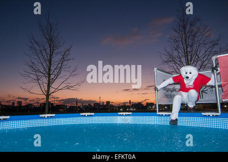 A Polar Bear Plunge Event Where Participants Jump Into Ice Cold Water Stock Photo 59030198 Alamy