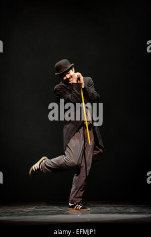 London, UK. 5th February, 2015 Tommy Franzé performs the Smile as par of The Associates at Sadler's Wells Theatre. - Stock Photo
