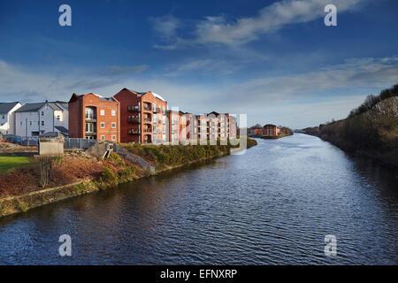 Stockton Heath civil parish suburb of Warrington, Cheshire, England UK . Housing apartments along the Manchester - Stock Photo