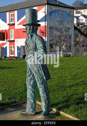 Bronze statue of Isambard Kingdom Brunel at Saltash, Cornwall, UK.  The statue is below the rail bridge which he - Stock Photo
