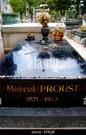 Paris, France. Père Lachaise Cemetery - tomb of Marcel Proust, writer - Stock Photo