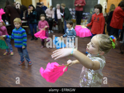 Washington, DC, USA. 9th Feb, 2015. Children learn traditional Chinese dance during a cultural activity to celebrate - Stock Photo