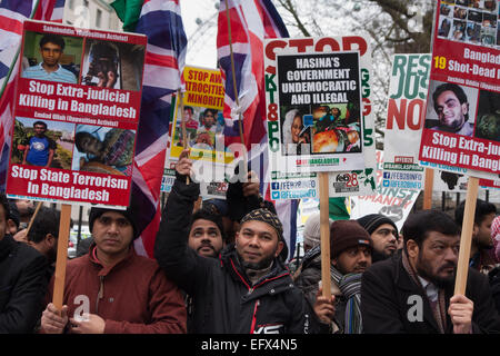 London, February 10th 2015. Scores of UK Bangladeshis from  Save Bangladesh demonstrate outside Downing Street ahead - Stock Photo