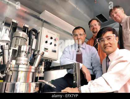 Argonne National Laboratory battery researchers (from left) Khalil Amine, Chris Johnson, Sun-Ho Kang and Mike Thackeray - Stock Photo