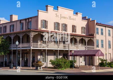 The St James Hotel on Water Street in downtown Selma, Alabama, USA - Stock Photo