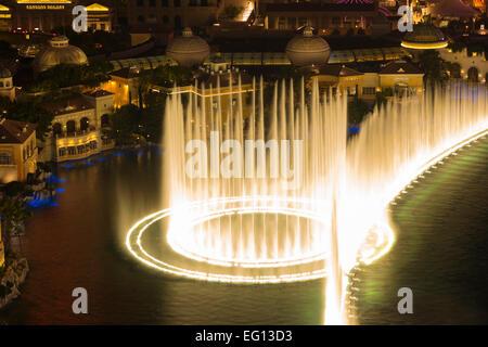 HOTEL CASINOS BELLAGIO FOUNTAINS SOUND LIGHT SHOW THE STRIP LAS VEGAS NEVADA USA - Stock Photo