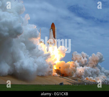 The Space Shuttle Atlantis lifts off July 8, 2011, from Pad 39 A at Kennedy Space Center, Fla. Members of the 45th - Stock Photo