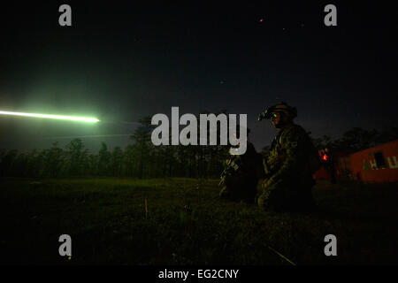 Canadian special operations regiment members call in close-air support from their U.S. Air Force allies during Emerald - Stock Photo