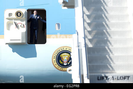 Palm Springs, California, USA. 14th Feb, 2015. US President BARACK OBAMA arrived at Palm Springs International Airport - Stock Photo