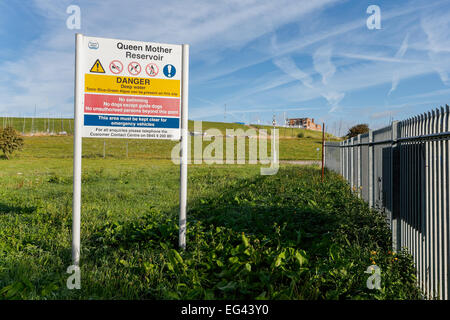 entrance sign at Queen Mother Reservoir in Berkshire operated by Thames Water - Stock Photo