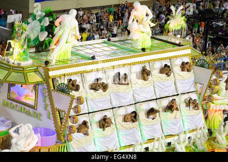 Rio de Janeiro, Brazil. 16th February, 2015.Samba school 'Mocidade Independente de Padre Miguel' starts his show - Stock Photo