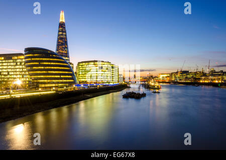 London, UK 17th February 2015: A clear evening sky over the capital will mean that overnight temperatures could - Stock Photo