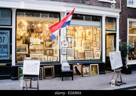 Antique painting shop in Molenstraat, Den Haag, The Hague. - Stock Photo