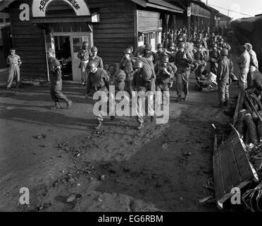 Task Force Smith arrives at Daejeon train station, South Korea. They were the first 406 U.S. Army ground forces - Stock Photo