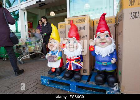 giant garden gnomes on sale at asada kendal stock photo