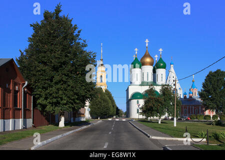 The Assumption Cathedral (1672-1682) and 19th-century bell-tower of the Novo-Golutvin Monastery inside the Kremlin - Stock Photo