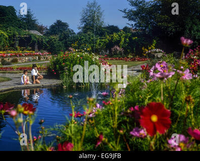 Girls in a public garden. Southend. Essex. UK - Stock Photo
