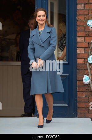 Catherine, Duchess of Cambridge visits the Emma Bridgewater pottery factory in Stoke on Trent while pregnant - Stock Photo