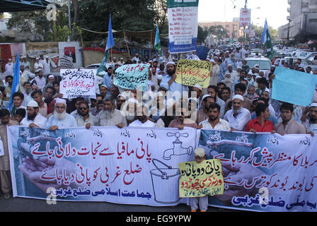 Karachi, Pakistan. 20th Feb, 2015. Residents of Pathan Colony are protesting against shortage of drinking water - Stock Photo