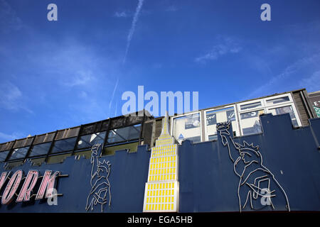 The New York amusement arcade in the seaside town of Southend, Essex, England, showing two Statue of Liberty logos. - Stock Photo