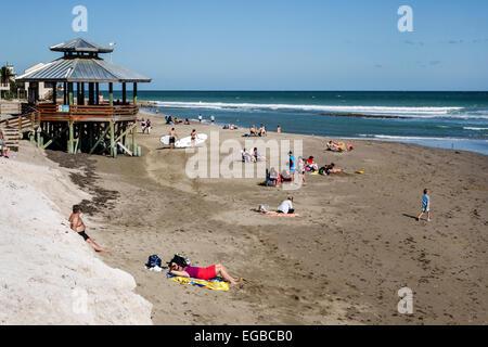 Florida, Stuart, Hutchinson Barrier Island, Bathtub Reef Beach, sunbathers, Atlantic Ocean, sightseeing visitors - Stock Photo