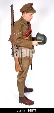 A Great War uniform as worn by British soldiers fighting in the trenches 1914-1918. SEE DESCRIPTION - Stock Photo