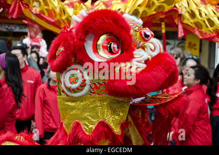 Vancouver, B. Canada, Chinatown. 22nd February, 2015. A traditional lion dance is performed in the Chinese New Year's - Stock Photo