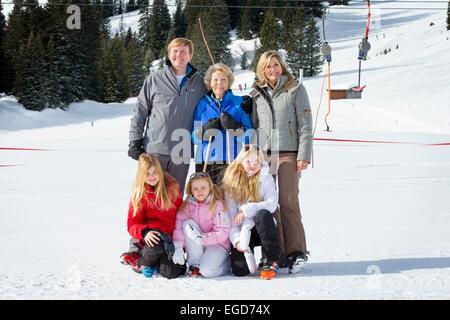 Lech, Austria. 23rd February, 2015. King Willem-Alexander, Queen Maxima, Princess Beatrix (C), Crown Princess Amalia - Stock Photo