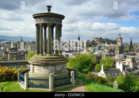 Dugald Stewart Monument on Calton Hill with view to city of Edinburgh, UNESCO World Heritage Site Edinburgh, Edinburgh, - Stock Photo