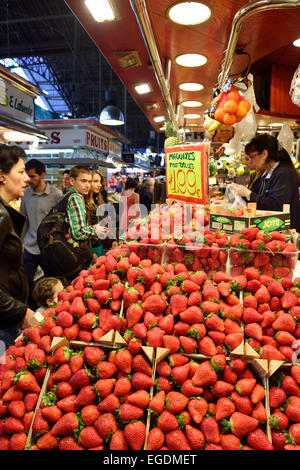 Strawberries at the fruit stall in Boqueria market, La Boqueria, La Rambla, Barcelona, Catalonia, Spain - Stock Photo