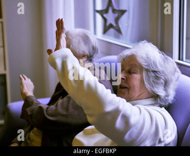 Exemplary care in retirement homes, such as in the senior centre of the Arbeiterwohlfahrt (AWO), cannot be found - Stock Photo