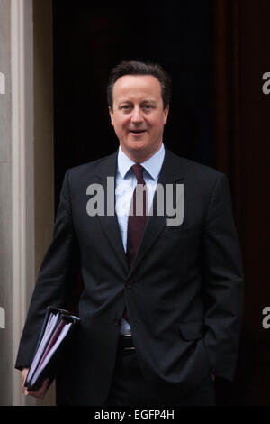 London, UK. 24th February, 2015. British Perime Minister David Cameron leaves 10 Downing Street on his way to the - Stock Photo
