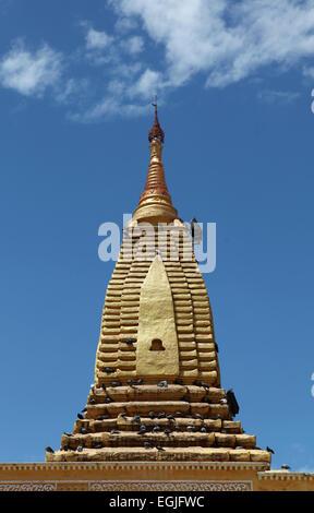 Shwe ze gong Temple, Bagan. Burma - Stock Photo