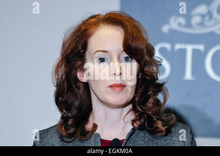 Belfast, Northern Ireland. 20 Dec 2013 - Prof Meghan O'Sullivan delivers her assessment of the ongoing talks with - Stock Photo