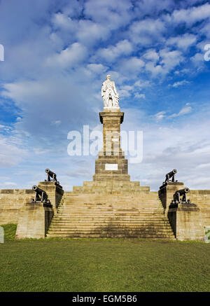 Statue of Vice Admiral of the Royal Navy Cuthbert Collingwood with canons from his flagship the Royal Sovereign - Stock Photo