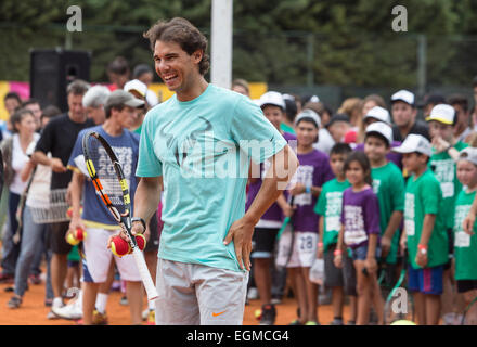 Buenos Aires, Argentina. 26th Feb, 2015. Spanish tennis player Rafael Nadal reacts during a tennis clinic in Buenos Aires, Argentina, Feb. 26, 2015. Credit:  Martin Zabala/Xinhua/Alamy Live News