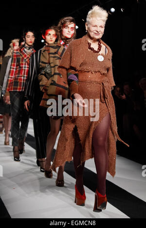 Vivienne Westwood closing her London Fashion Week catwalk for A/W'15 - Stock Photo